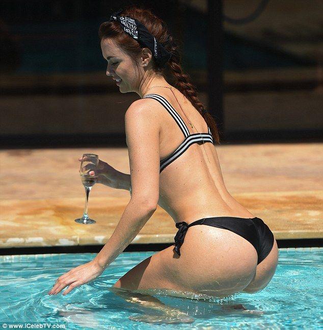 Jennifer-Metcalfe-Sexy-2