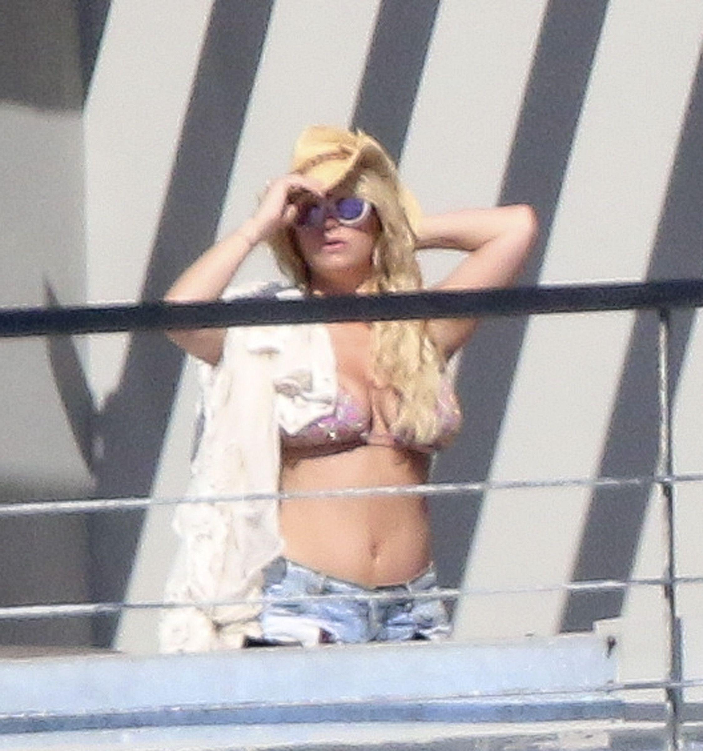 Topless Fake Celeb Nude Jessica Simpson Images