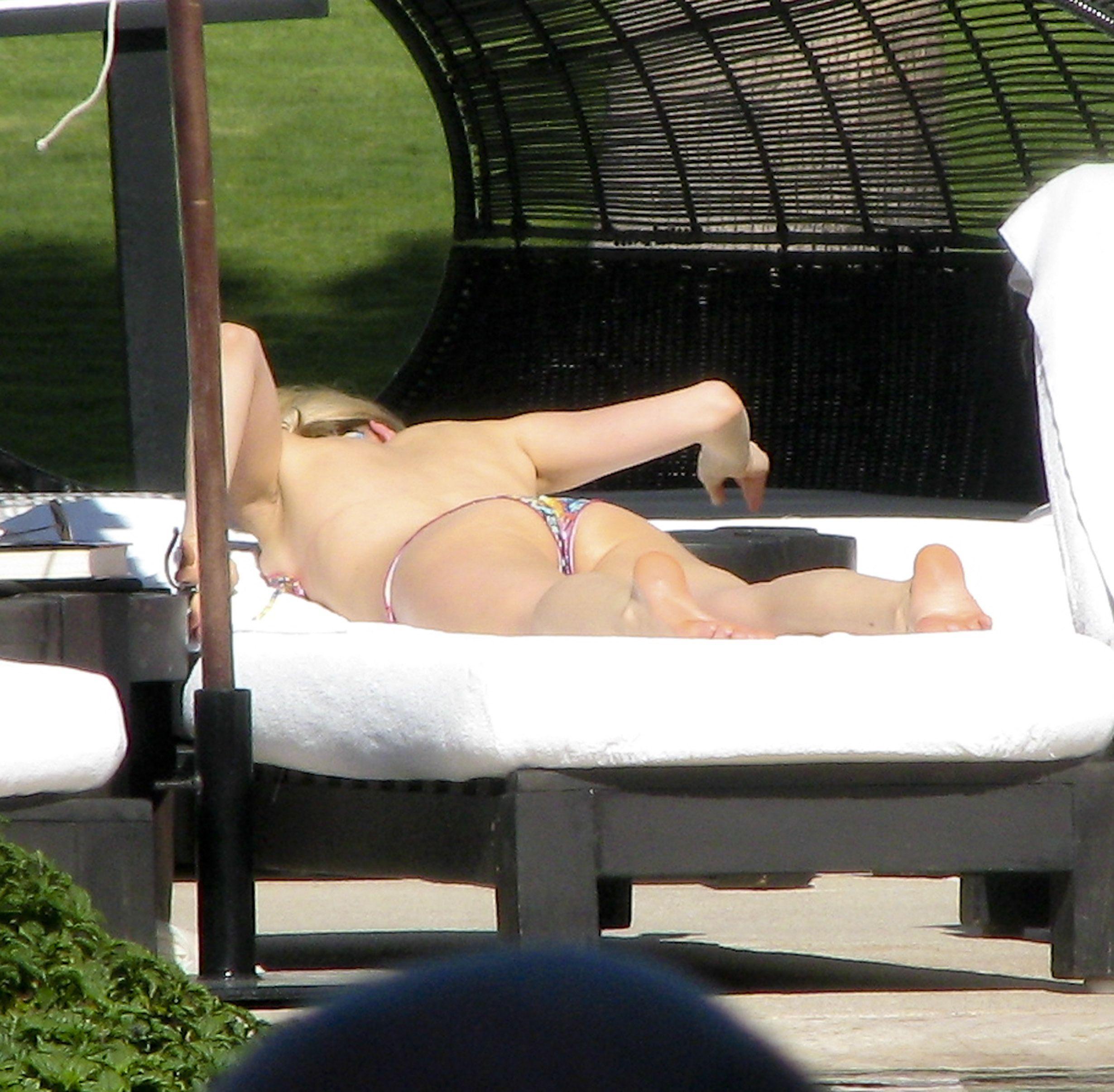 Kristin-Cavallari-in-a-Bikini-9