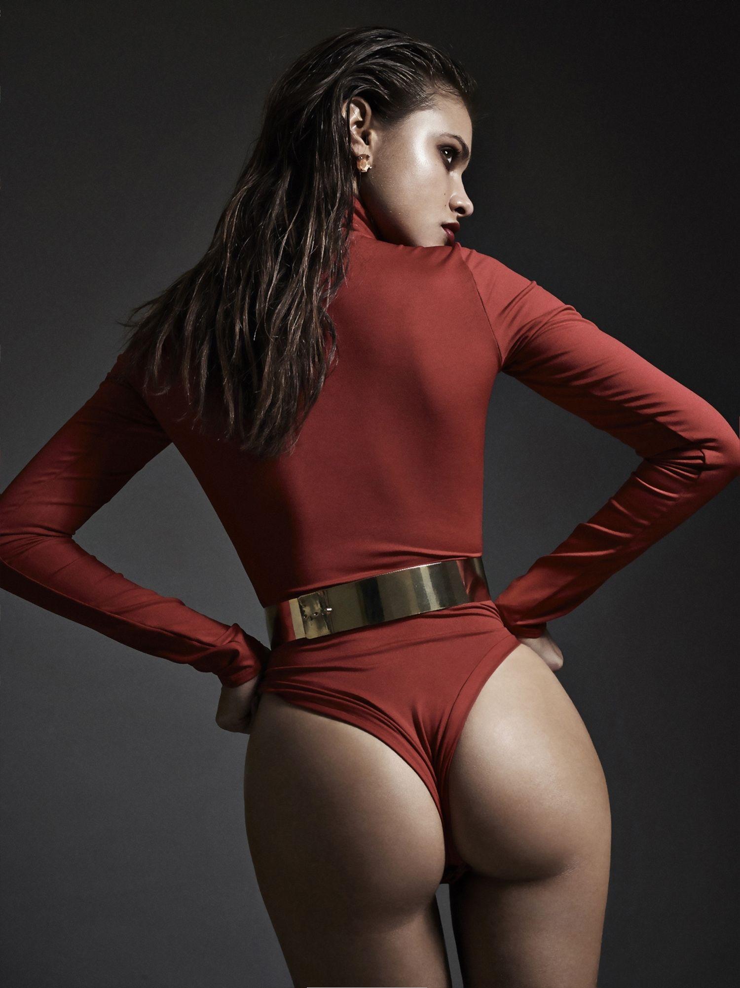 Yara-Khmidan-Sexy-18