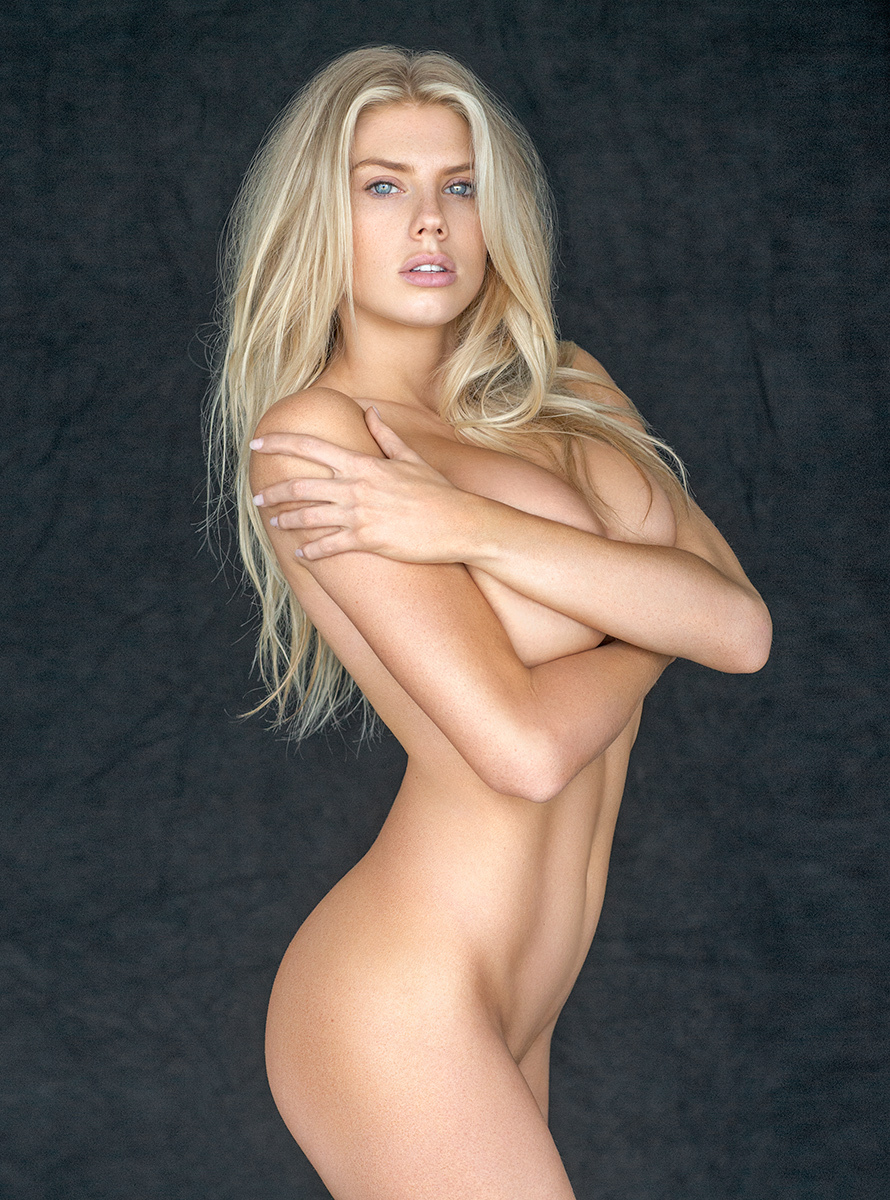 Charlotte-McKinney-Nude-Pic (1)