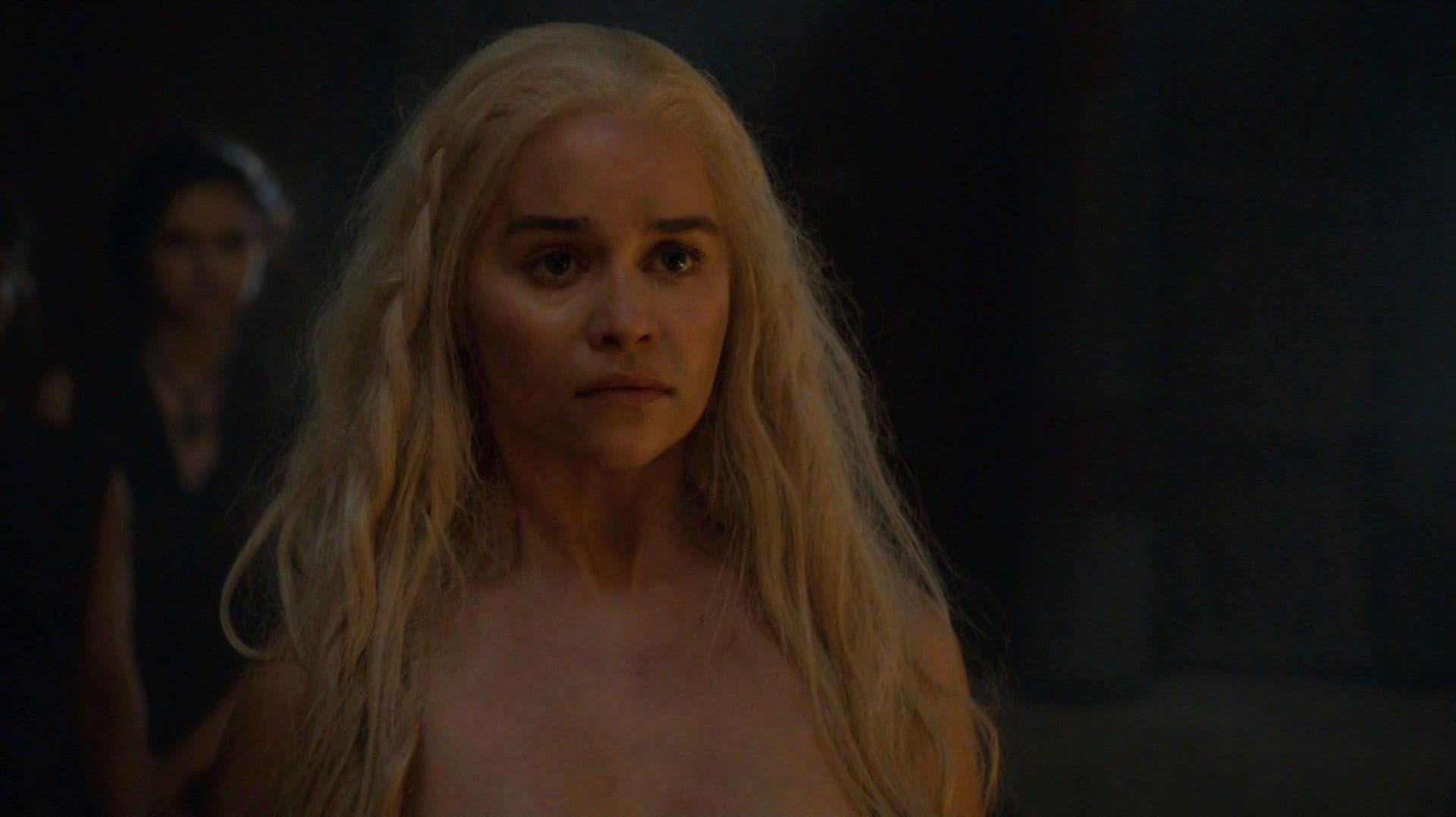 Emilia-Clarke-Nude-3