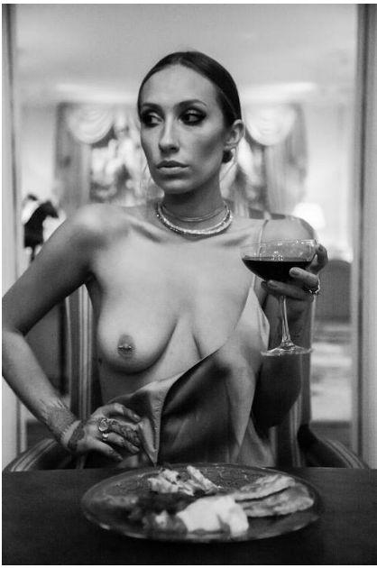 Gaia-Matisse-Topless-1