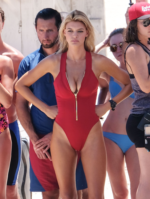 Kelly-Rohrbach-Alexandra-Daddario-Ilfenesh-Hadera-Sexy-2