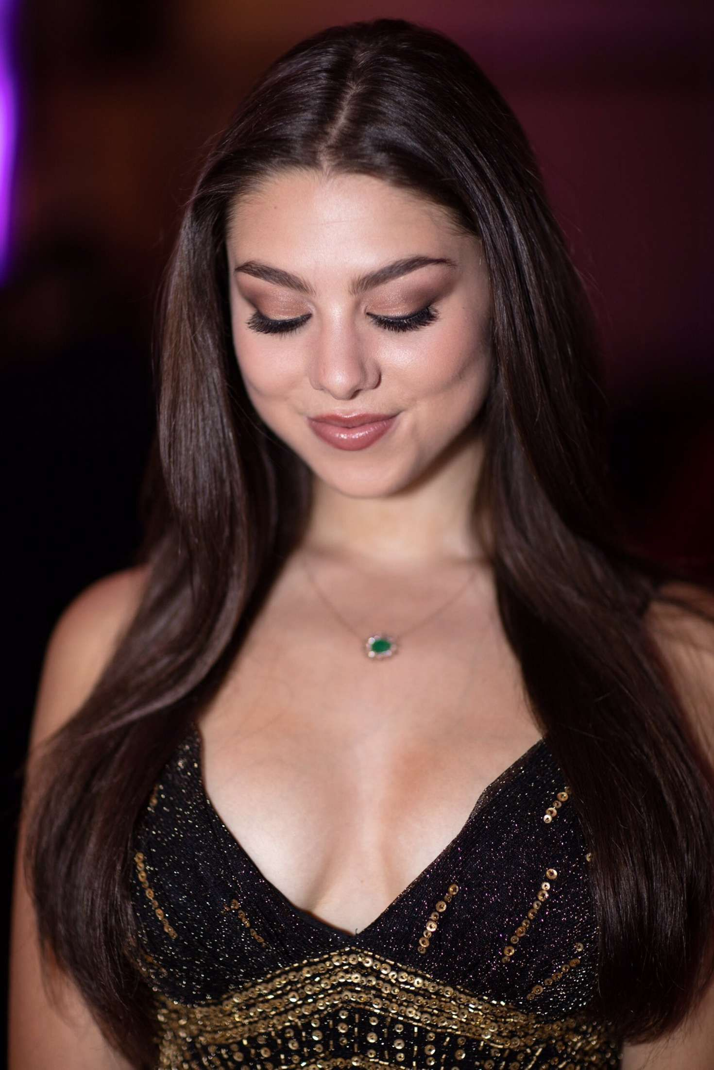 Kira-Kosarin-Cleavage-Collection-10