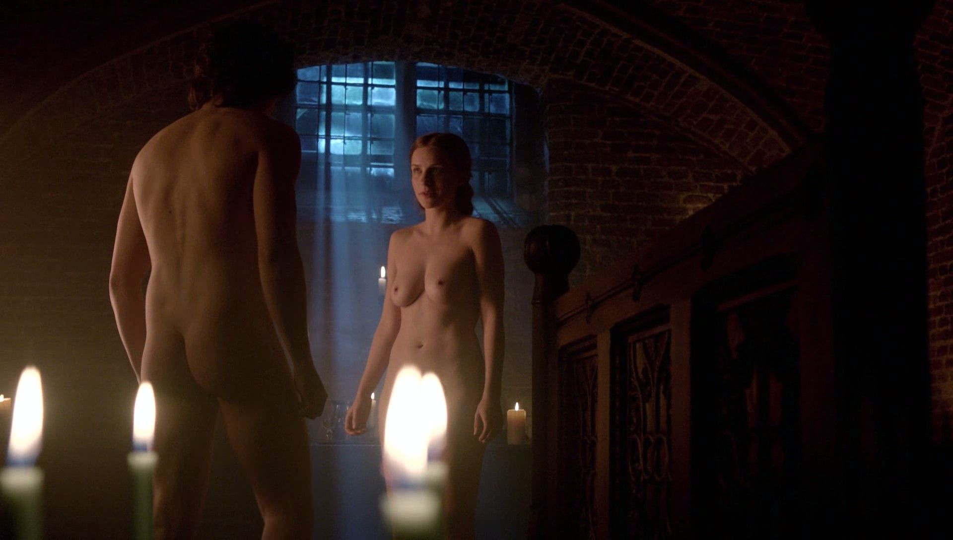 Faye-Marsay-The-White-Queen-Nude-1