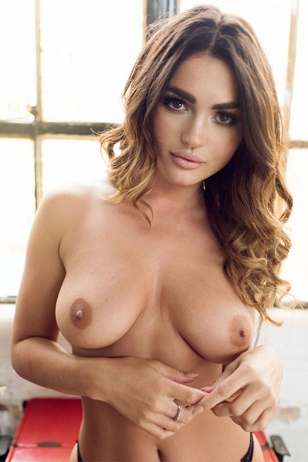 India-Reynolds-Sexy-and-Topless-3-1 (1)