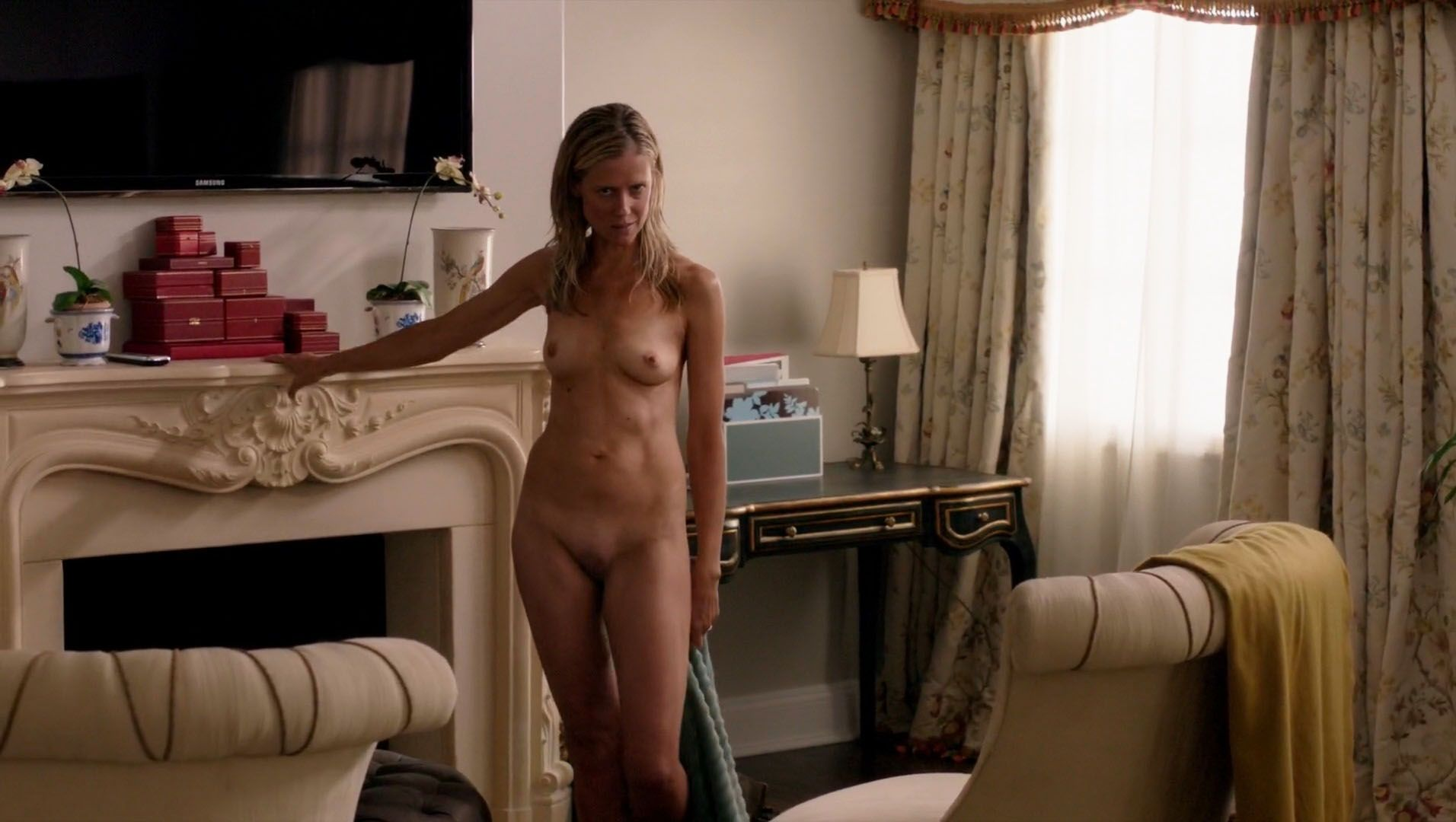 Kelly-Deadmon-Nude-3