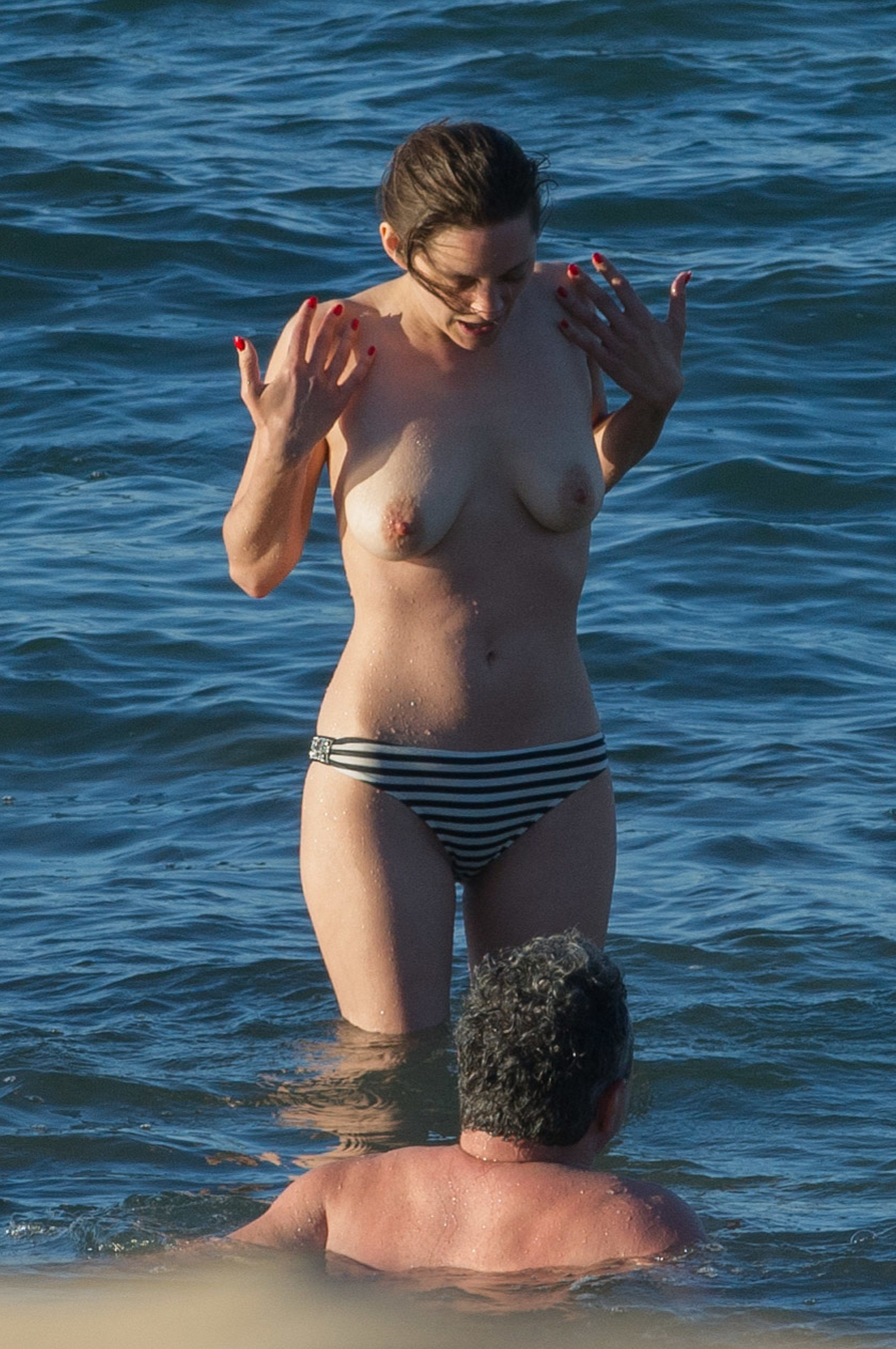 Marion-Cotillard-Topless-1