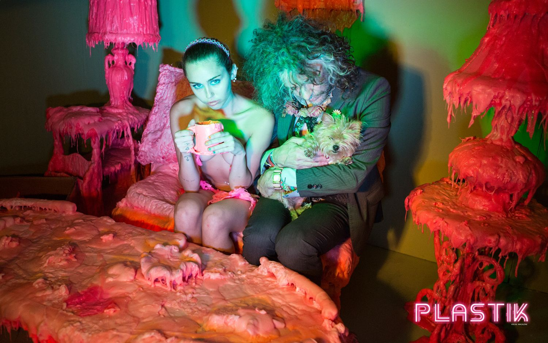Miley-Cyrus-Plastik-Magazine-6