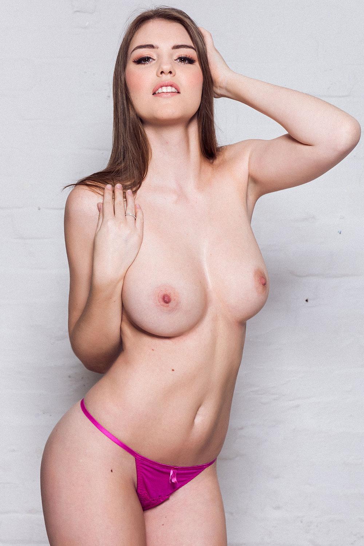 Rosie-Danvers-Sexy-Topless-4 (1)