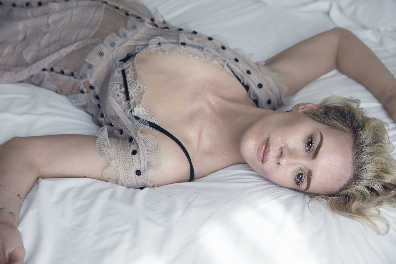 Sarah-Paulson-Sexy-Topless-1