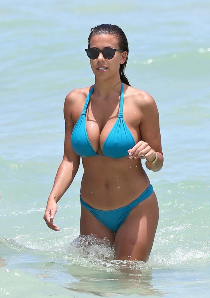 DEVIN BRUGMAN bikini (1)