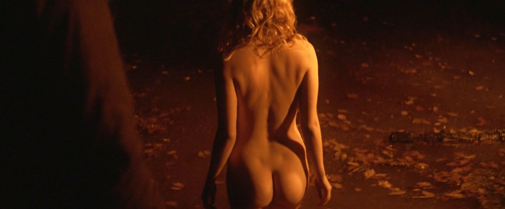 Hannah-Murray-Elinor-Crawley-Nude-2