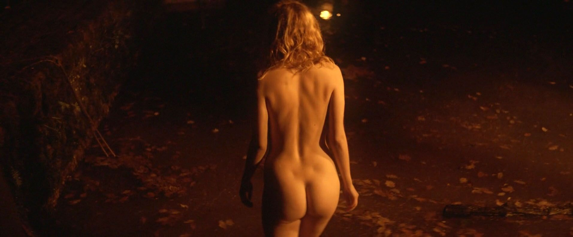 Hannah-Murray-Elinor-Crawley-Nude-4