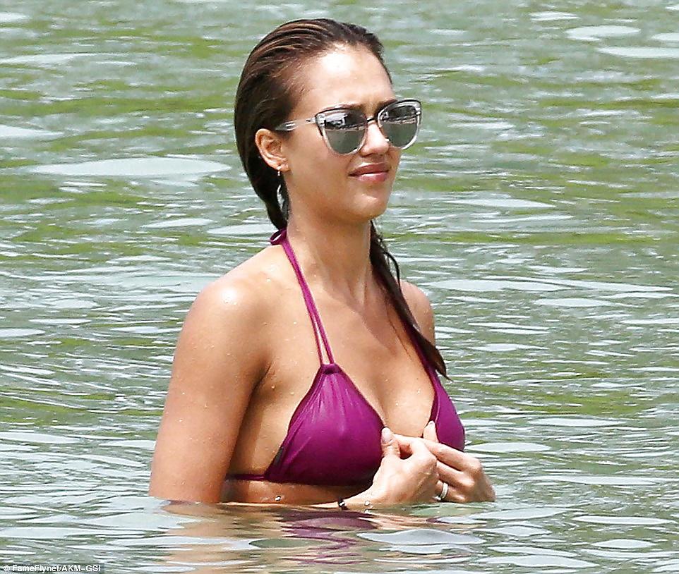 Jessica-Alba-Sexy-2