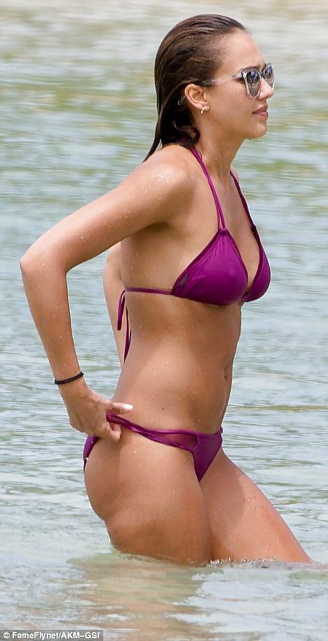 Jessica-Alba-Sexy-4