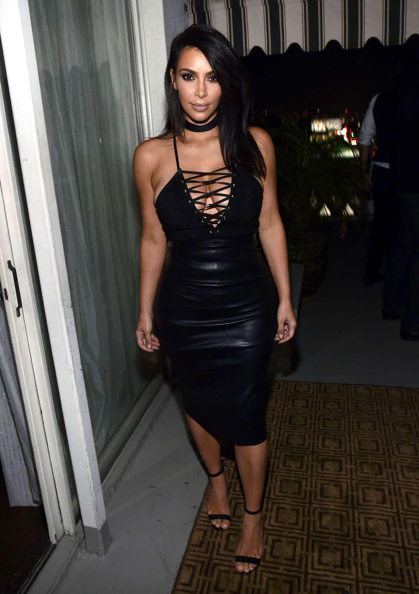 Kim-Kardashian-Sexy-5