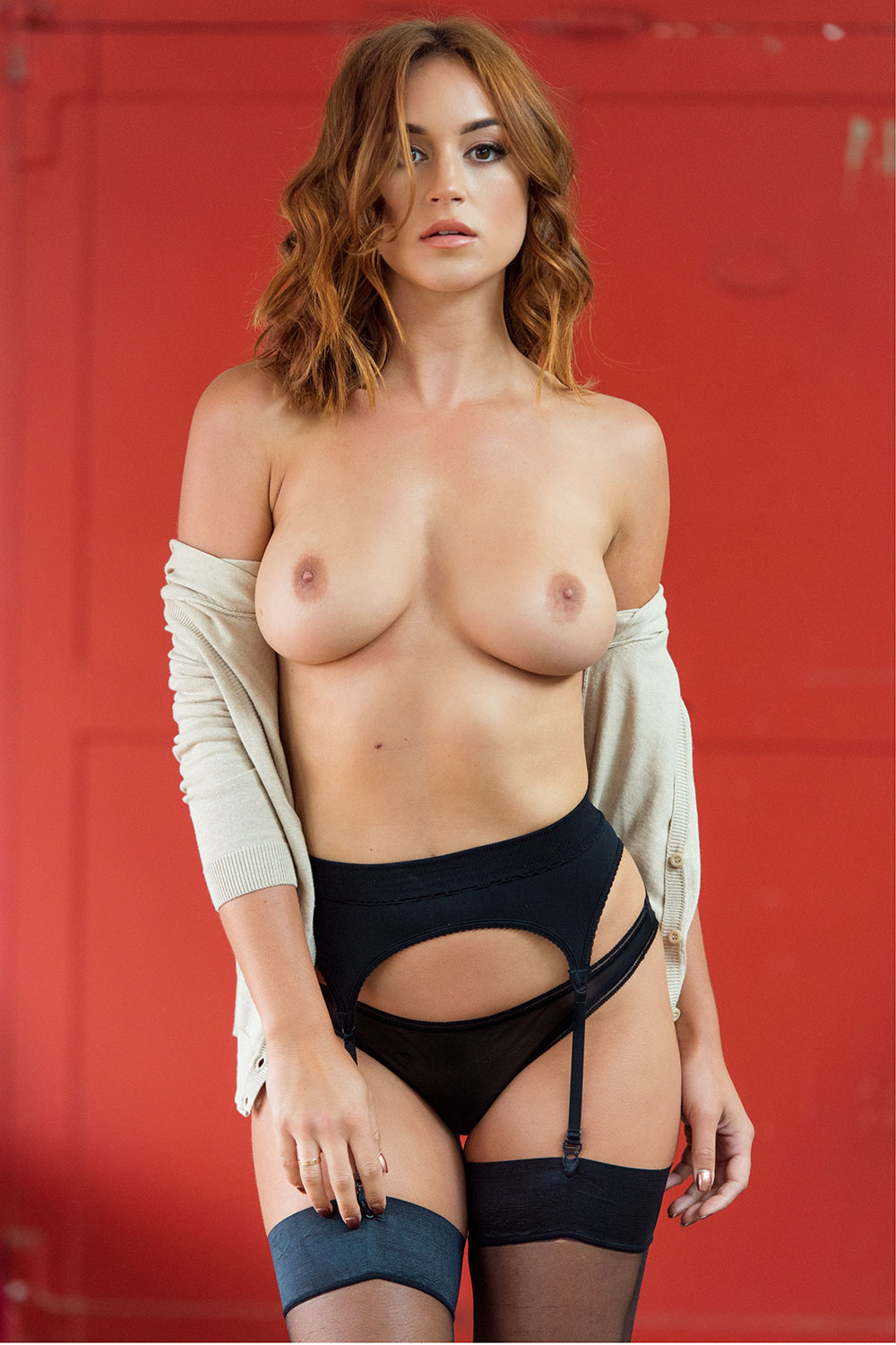 Rosie-Jones-Sexy-Topless-3 (1)