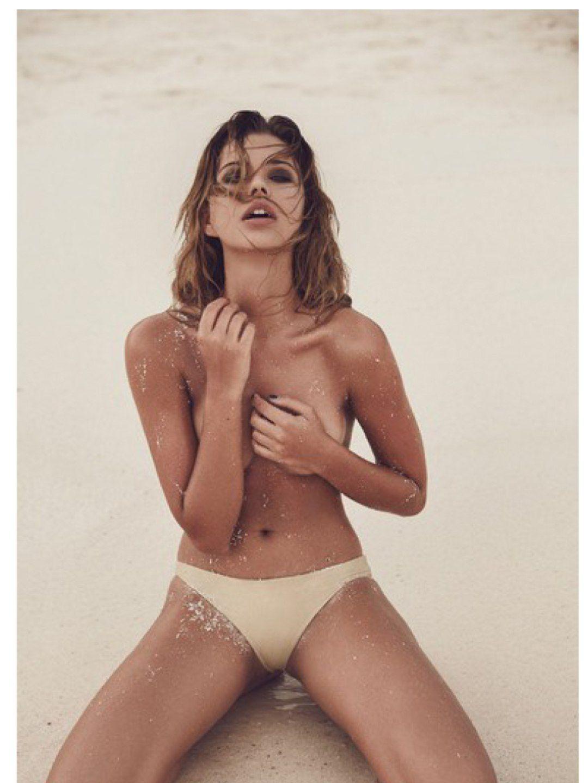 Sandra-Kubicka-Topless-2 (1)